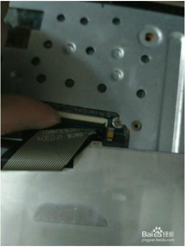宏基4752g键盘如何拆11